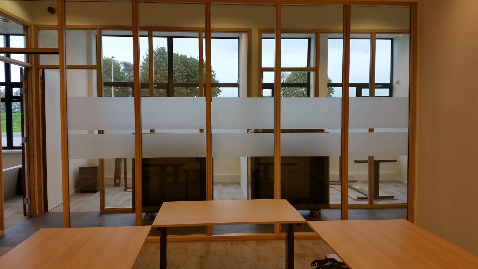 Raamfolie idee n te gebruiken voor eigen raamfolie ontwerp - Photo deco kantoor ...