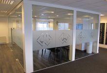 Raamfolie, bedrijven, kantoor, logo