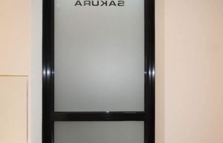 Raamfolie, logo, binnenkant