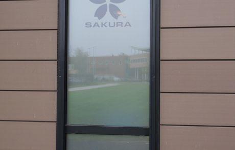 raamfolie logo buitenkant