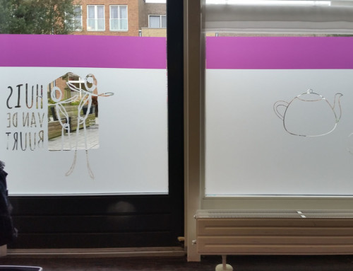 Bedrukte glasfolie (2) huisstijl, uitgesneden elementen