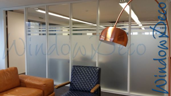 Kantoor met hogemate van privacy, raamfolie, glasfolie, windowdeco, privacy