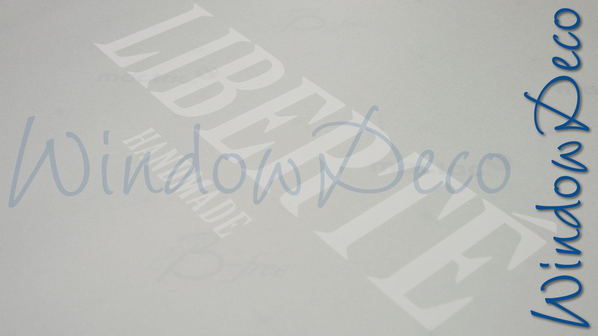 logo weggesneden uit raamfolie, glasfolie, eigen logo, windowdeco
